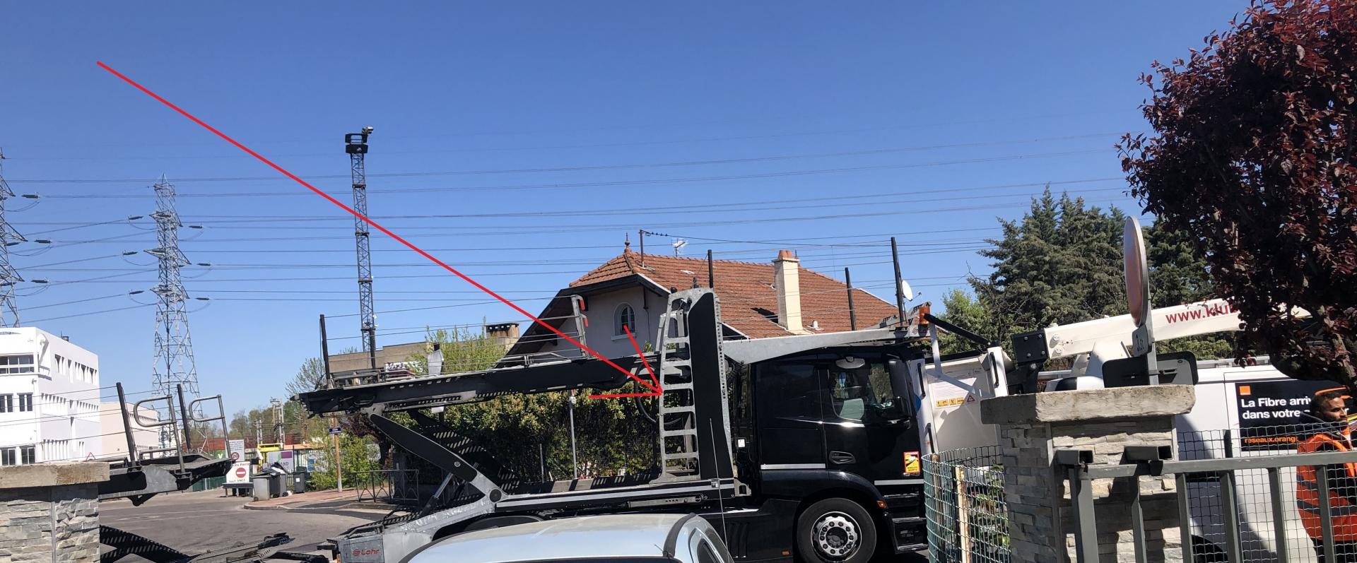 Camion sortie rue du charbonnier